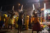 Thaipusam cleansing ceremony — Stock Photo