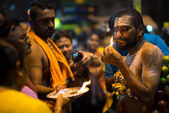 Rituals of Thaipusam day prayers — Stock Photo