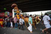 Thaipusam festival em cavernas de Batu, na Malásia — Fotografia Stock