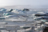 Glacier ice lagoon in Jokullsarlon, Iceland — Stock Photo