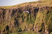 Paragliding, parachute jumping in iceland — Stock Photo