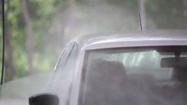 Carwash white car washes. Slow motion — Stock Video