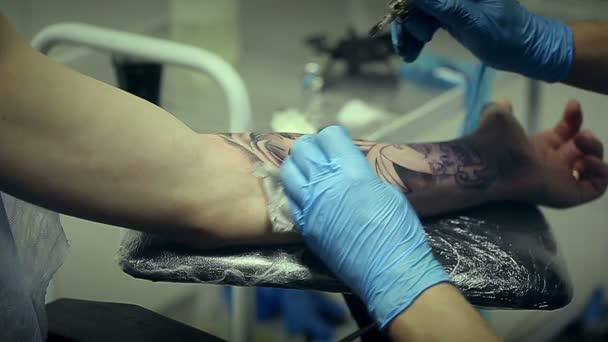 V deos de stock de cara del perfil de la mujer v deos sin for Working man tattoo