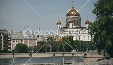 Restoration of the main dome of Cathedral of Christ the Saviour, Moscow, Russia — Stock Video