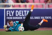 Mitchell Beeney (GK) of Chelseafor the ball — Stock Photo