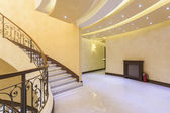 豪华酒店走廊楼梯 — 图库照片