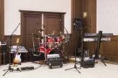 Band equipment in a hall — Stockfoto