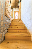 Wooden stairs in rustic home — Fotografia Stock