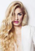 Fashion portrait of beautiful blonde woman — Stock Photo