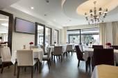Elegant restaurant interior — 图库照片