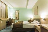 Interior de habitación de hotel elegante — Foto de Stock