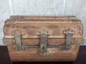 Old antique coffer — Stock Photo