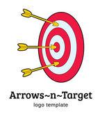 Target with arrows vector logo template — Stock Vector