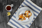 用鸡蛋和培根的小松饼 — 图库照片