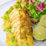 Vegetarian scallion omelette — Stock Photo #53651671