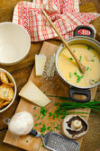 Mushroom creame soup with herbs and toasts — Stock Photo