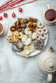 Christmas cookies and fresh tea — Stock Photo