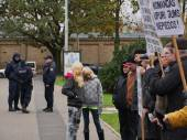 RIGA, LATVIA OCTOBER 16,2014 Civil people are voting against Nazi in Ukraine beside academy of science in October 16, 2014 Riga, Latvia — Stock Photo