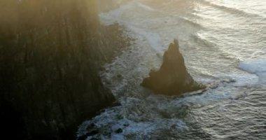 Penhascos de moher, no Condado de clare, Irlanda — Vídeo stock