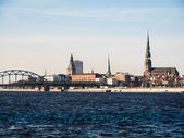Evening view of quay Daugava rive in Riga. — Stockfoto