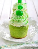 Shamrock cupcakes — Stock Photo