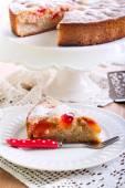 Plum sponge cake — Stock Photo