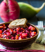 Vegetable salad, vinaigrette and bread plate glinanoy — Stock Photo