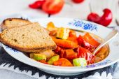 Vegetable stew with olive oil with spices, vegetarian — Stock Photo