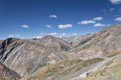 Geweldig uitzicht op de bergen — Stockfoto