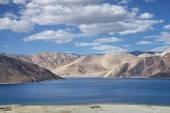 High view to amazing blue mountain lake — Stock Photo