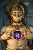 Illuminated statue of Hanuman showing Rama and Sita — Stock Photo