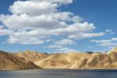 Highlands Himalaya lake — Stok fotoğraf