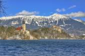 Lake Bled with St. Marys Church of the Assumption — Stock Photo