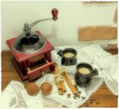Coffee grinder, installation polaroid photo — Stock Photo