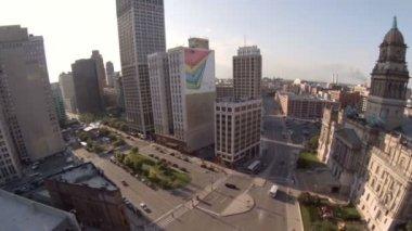 Aerial between Detroit city buildings — Stock Video