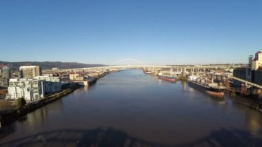 Fremont and Broadway bridge. — Stock Video