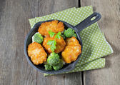 Kyckling kotlett med grönsaker — Stockfoto