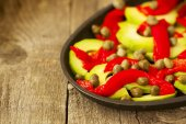 Salad of roasted peppers and avocado  — Stockfoto