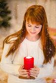 Portrét krásné ženy s svíčka — Stock fotografie
