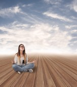 Young woman meditating alone — Stock Photo