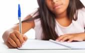 Dziewczyna odrabiania lekcji — Zdjęcie stockowe