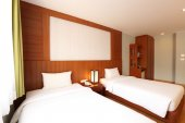 Two beds bedroom interior — Stock Photo