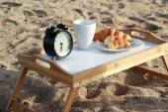 śniadanie na plaży — Zdjęcie stockowe