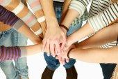 Pila di mani di amici — Foto Stock