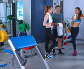 People at the gym standing together — Stock Photo