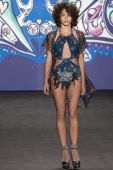 Anna Sui - 2015 Spring Collection — Stockfoto