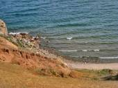 Nature Of Lake Baikal. View of the rocky shore and surf — Foto de Stock