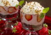 Mini baked alaska — Stockfoto