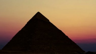 Timelapse. Sunrise over the pyramid of Cheops. Giza Egypt. — Stock Video