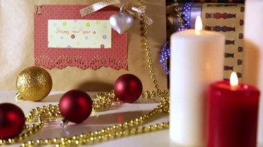 рождественские подарки с огнями — Стоковое видео